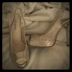 High heel by guess